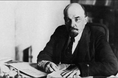 Lenin làm ngỡ ngàng nhà báo Guardian của Anh