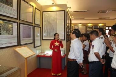 """Tư liệu """"Hoàng Sa, Trường Sa của Việt Nam - Những bằng chứng lịch sử và pháp lý"""""""