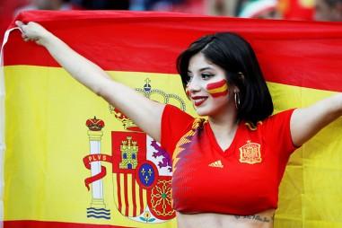 Những fan nữ xinh đẹp nhất World Cup 2018