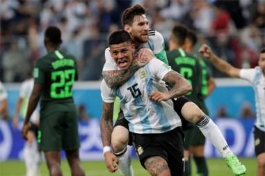 Lách qua khe cửa hẹp, Argentina vào vòng 2 World Cup 2018