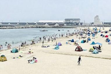 Nhật Bản mở cửa trở lại các bãi biển nhiễm phóng xạ