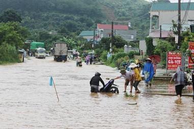 Mưa lũ bất thường gây ngập lụt cục bộ tại Sơn La
