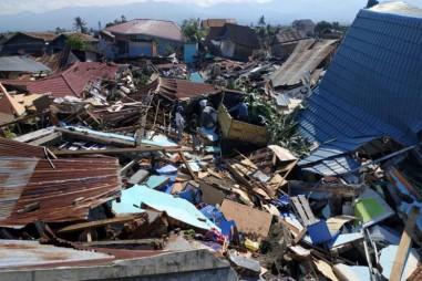 Indonesia nỗ lực tiếp cận các khu vực bị thiệt hại do động đất