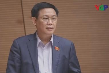 Phó Thủ tướng Vương Đình Huệ đăng đàn trả lời trước Quốc hội