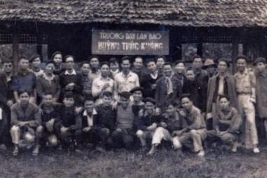 Lớp dạy viết báo đầu tiên ở Việt Nam