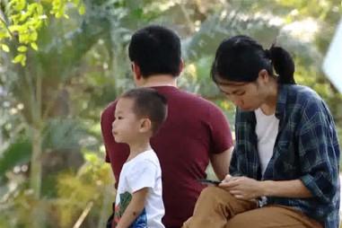 Thiết bị điện tử khiến tình cảm gia đình ngày càng xa cách