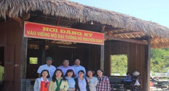 Hội viên Hội Nhà báo tỉnh Khánh Hòa đi thực tế tại Quảng Bình