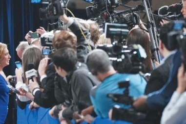"""Truyền thông mới và những thách thức """"chỗ đứng"""" của nhà báo"""
