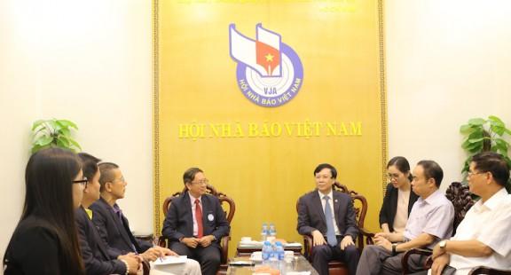 """""""Cầu nối"""" báo chí Việt Nam - Thái Lan"""
