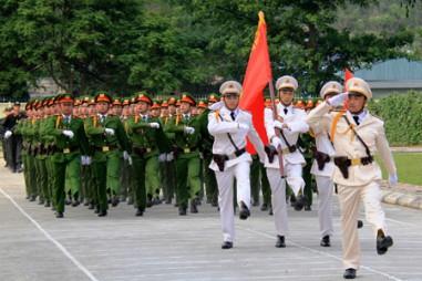 PGS TS Nguyễn Hồng Vinh chúc mừng ngày truyền thống lực lượng CAND