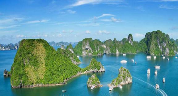 Ngắm Quảng Ninh hiện đại đẹp mê mẩn, mới hiểu vì sao du lịch vùng di sản bứt phá