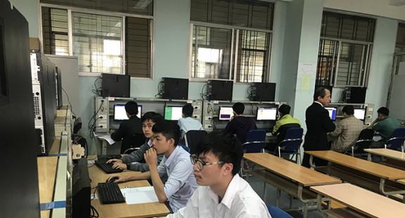 Sôi động kỳ thi tay nghề sinh viên tại Trường Cao đẳng nghề Công nghiệp Hà Nội