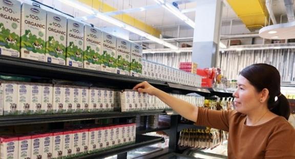 Sữa tươi Vinamilk giành được tình cảm của người dân Singapore