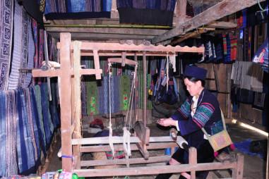 Lào Cai: Đào tạo lao động nông thôn gắn với làng nghề truyền thống