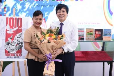 Phố sách Hà Nội tiếp nhận bộ sách của nhà báo Hồ Quang Lợi