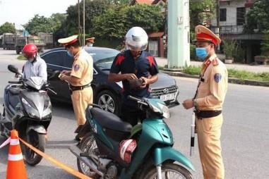 Hà Nội tiếp tục xử phạt 900 trường hợp vi phạm phòng chống dịch