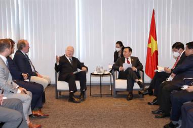 Các công ty toàn cầu tiếp tục mở rộng đầu tư tại Việt Nam