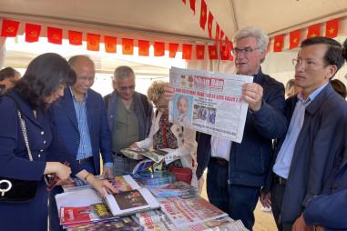 Báo Nhân Dân tham dự Hội báo Nhân đạo Pháp lần thứ 86