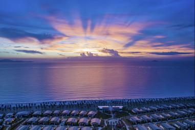Tìm không gian thư thái với 'Staycation' vùng biển Cam Ranh