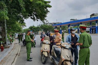 Hà Nội: Hơn 17.000 lượt phương tiện được kiểm soát khi ra vào nội đô